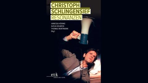 """Buchcover des Buches """"Christoph Schlingensief: Resonanzen"""", auf dem Cover ein Foto von Schlingensief"""