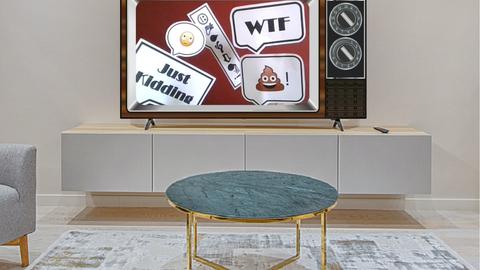 Foto eines Fernsehers in einem Wohnzimmer. Auf dem Bilschirm eine Collage