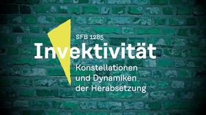 Logo des SFB vor grüner Backsteinwand