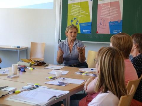 (angehende) Lehrerinnen im Gespräch