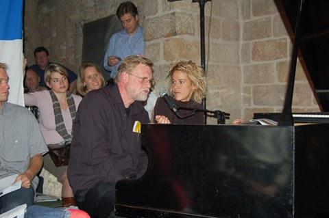 Marie-Jo Thério und Prof. Kolboom am Klavier