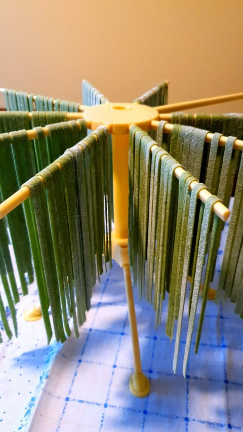 Tagliatelle Nudeln grün Spinat