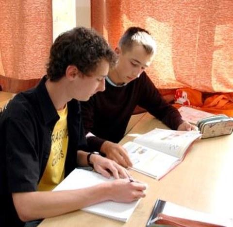 Schüler des Vitzthum-Gymnasiums Dresden während des Italienischunterrichts