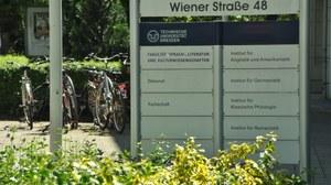 Außenschild Wiener Straße 48