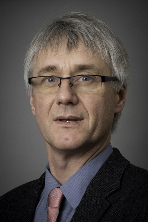 Porträt Professor Thorsten Claus