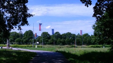 Fahnen am deutsch-polnisch-tschechichen Dreiländereck nahe Zittau