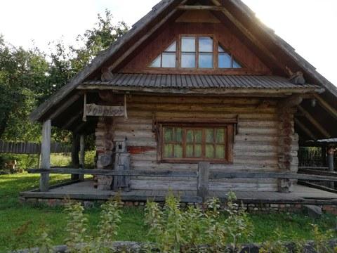 ein alt-belarussisches Bauernhaus