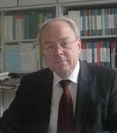 Portätfoto Prof. R. Hoffmann
