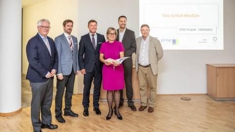 Besuch der Gesundheitsministerin Barbara Klebsch am IBMT