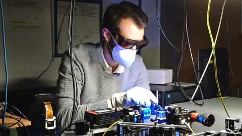 Lars Grüter im Labor