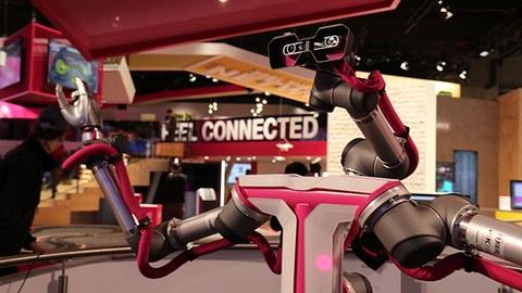 Der Zweiarmroboter, den das 5G Lab Germany auf dem Mobile World Congress 2017 in Barcelona präsentiert hat.