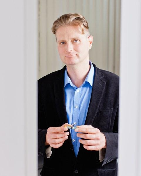 Prof. Frank Ellinger