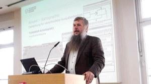 Prof. Weber Tangram-Vortrag in Hamburg