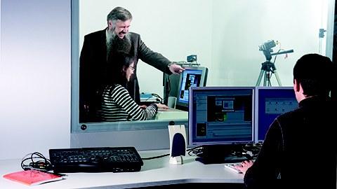 Professor Weber im usability-Labor