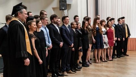 Absolventen zur Verabschiedung am 26.01.2019 im historischen Ballsaal des Quality Hotel Plaza Dresden