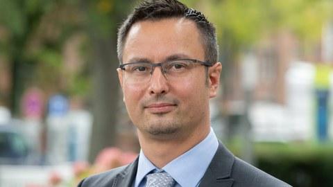 Portrait Prof. Horst Schirmeier