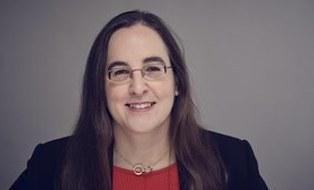 Frau Pro. Diana Göhringer