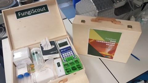 Lernkoffer mit Experimentiermaterial für Enzymreaktionen