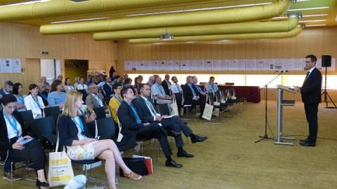 Thomas Horn, Geschäftsführer der Wirtschaftsförderung Sachsen, präsentierte die Potenziale der Dreiländerregion aus sächsischer Sicht.