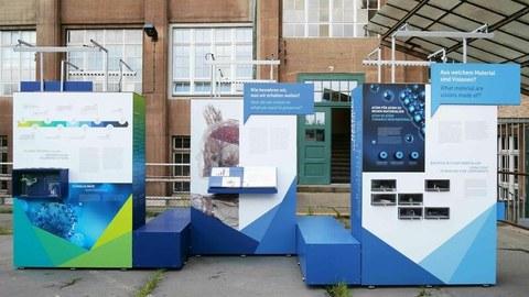 Ausstellung im Innenhof der Technischen Sammlungen Dresden