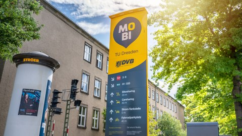 Eine Stromtankstelle auf dem Campurs der Technischen Universität Dresden