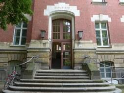Eingang Zeunerbau