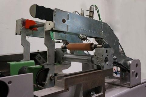 Detailansicht - Versuchsaufbau zur thermischen Charakterisierung von Kautschukwalzen, geöffneter Zustand