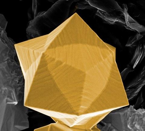 galvanischer Gold-Mikrokristall