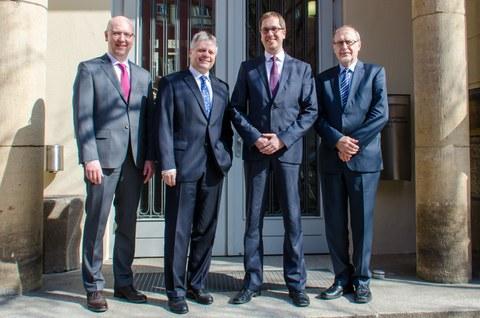 Gruppenbilder der vier Professoren Modler, Jäger, Gude und Hufenbach.