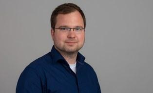 Portraitbild von Sirko Geller, Leiter Duroplastverfahren und Preforming am ILK