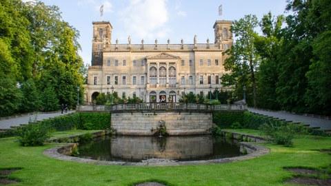 Außenaufnahme von Schloss Albrechtsberg.