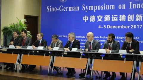 Podiumsdiskussion beim Sino-German Symposium on Innovative Vehicle Technology am 5. Dezember 2017