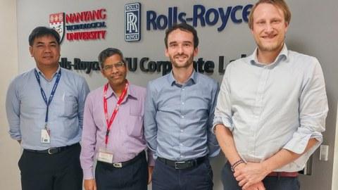 Dresdner Forscher zu Besuch in Singapur. (Dresden researcher visits Singapore) v.l.n.r. Dr. Michael L. Abundo (Rolls Royce@NTU Corporate Lab), Prof. Sridhar (NTU), Dr. Daniel Weck, Dr. Andreas Hornig (beide ILK)