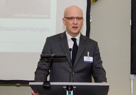 Prof. Dr.-Ing. Niels Modler, Geschäftsführer des SFB 639 und Vorstandsmitglied des ILK