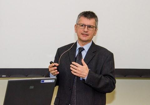 Prof. Peter Mitschang, Institut füre Verbundwerkstoffe GmbH und Technische Universität Kaiserslautern
