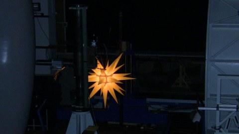 Aerodynamische Messungen an einem Weihnachtsstern für den Außenbereich