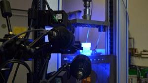 Versuchaufbau einer Messung mit dem optischen Messsystem Aramis