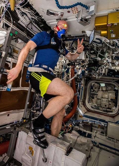 MetabolicSpace: Astronaut Alexander Gerst während der Experimentdurchführung
