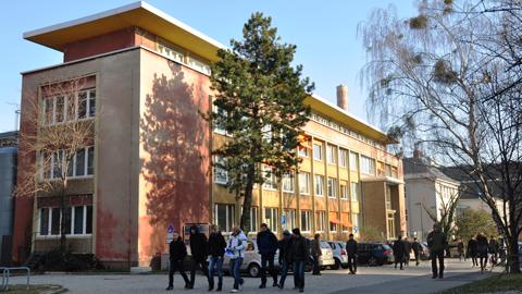 Kutzbach-Bau, Sitz des Instituts