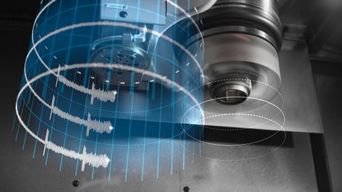 Digitalisierung macht Instandhaltung mobil: EMO Hannover verdeutlicht: Zustandsüberwachung autonomer Maschinen ist komplexes Thema. ((02-01-IPT-mobile-Instandhaltung.jpg)) Die mobile, digitalisierte Instandhaltung greift auf eine Vielzahl von Sensor- und Produktionsdaten zurück, die für die Analyse des Maschinenzu-standes erzeugt werden.