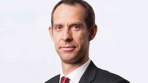 Prof. S. Ihlenfeldt
