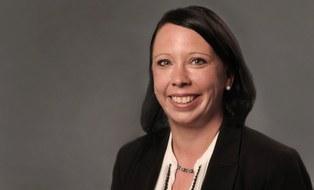 Portraitfoto Dr.-Ing. Juliane Steingroewer