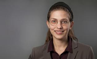 Portraitfoto Dipl.-Ing. Maria Syngelaki