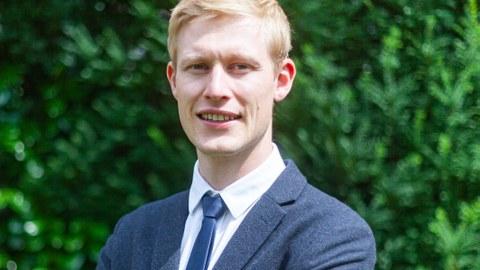 Porträt Alexander Busch