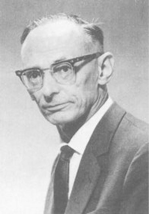 Schwarz-Weiß Porträtfoto von Professor Werner Boie