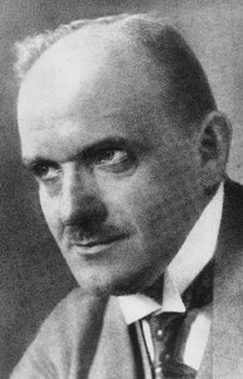 Schwarz-Weiß Porträtfoto von Professor Adolph Nägel