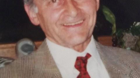 Portraitfoto von Prof. Kurt Eschke.