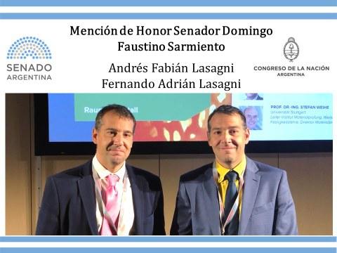 Die Zwillingsbrüder Andrés (rechts) und Fernando (links) Lasagni wurden für ihre Leistungen im Ingenieurwesen vom argentinischen Staat ausgezeichnet