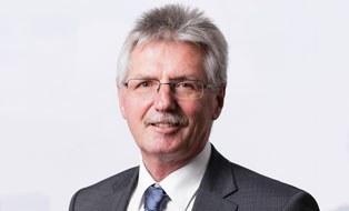 Porträtfoto von Professor Uwe Gampe