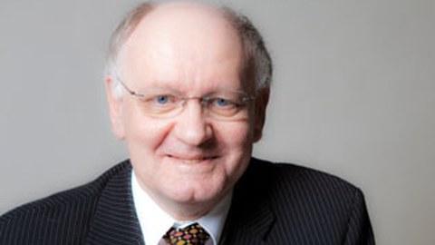 Porträtfoto von Professor Gert Heinrich